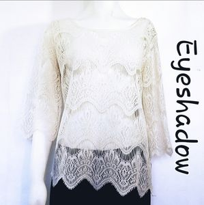 ✔Eyeshadow off White lace overlay full zipper bck